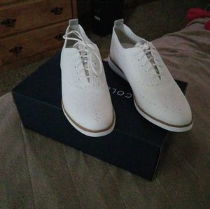 Womens cole haan oxford shoes.